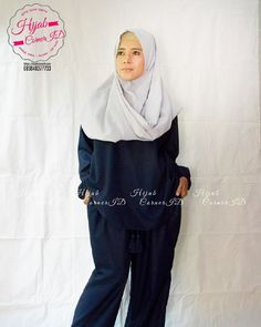 Hari ini bakul kue alih profesi dulu jadi model dadakan  Belum diupload di lapak dagangan karena ga keburu untuk koleksi Ramadhan...ya sudah untuk koleksi Syawal saja deh   btw koleksi mukena katun jepang asli japan design readystock yaa di @hijabcornerid   #hijabcornerid #atisomya #hijab #ootd