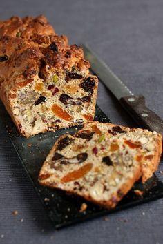 37 Ideas fruit cake loaf for 2019 Fruit Cake Loaf, Vegan Fruit Cake, Chocolate Fruit Cake, Healthy Fruit Desserts, Fresh Fruit Cake, Healthy Cake, Loaf Cake, Fruit Birthday Cake, Fruit Wedding Cake