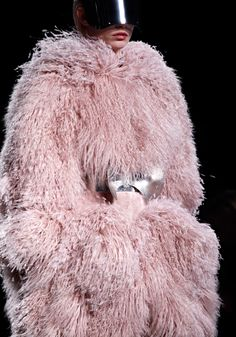 Alexander McQueen knows how to do cold british winters....eskimo styleee