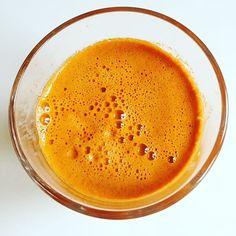 Darkness be gone! #bloodorange #celery #carrot #juicing #healty #drinkyourgreens #spoonfulness
