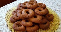 Μουστοκούλουρα τραγανά, εύκολα και νόστιμα.. να κεράσω;  Υλικά -500ml μούστο έτοιμο για χρήση -300ml ελαιόλαδο -200ml σπορέλαιο -50ml κ... Doughnut, Bread, Cookies, Desserts, Blog, Crack Crackers, Tailgate Desserts, Deserts, Brot