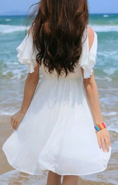 Lovely beach dress!