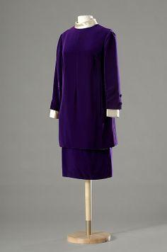 Dior suit (made by designer Marc Bohan) for Liz in Secret Ceremony (1968, J. Losey)