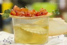 Erfrischendes Sommersüppchen mit einfachster Rezeptur für eine Consomme ohne Klären und Eiweiß. Einfach reiner, klarer Tomatensaft