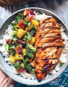 Mango BBQ Chicken with Mango Salsa and Re . - Mango BBQ Chicken with Mango Salsa and Rice Best Picture For Fast Recipes - Dinner Side Dishes, Dinner Menu, Recipes Dinner, 5 A Day Recipes, Dinner Dessert, Ww Recipes, Potato Recipes, Brunch Recipes, Italian Recipes