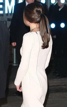 looks like Kate Middleton is wearing a black velvet ribbon in her hair