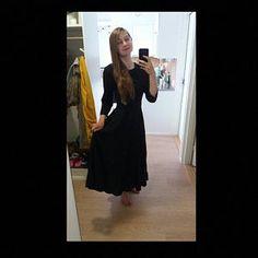 Green dress wool dress midi dress pleated dress fit and Long Wool Skirt, Wool Skirts, Linen Skirt, Linen Dresses, Skirt Pleated, Fitted Skirt, Gray Skirt, Linen Pants, Wine Red Dress