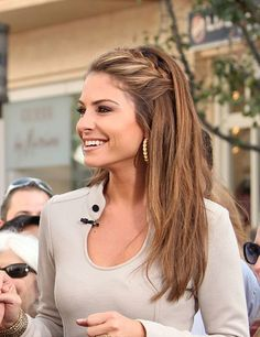 I can't decide which of the two braid-in-front hairstyles Maria Menounos wore on the set of Extra the other day I like better. I mean, it's a really hard decision.