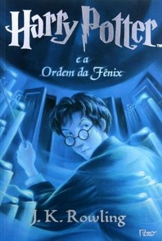 Harry Potter chegou à adolescência. E, junto com as transformações desta época tão importante, vive seus dias mais sombrios na escola de magia de Hogwarts. Anun...