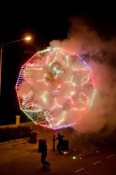Fireworks Festival à Malte Fireworks Festival, Fair Grounds, Concert, Travel, Malta, Viajes, Recital, Trips, Concerts