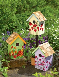 Colorful Painting Ideas for Handmade Birdhouses, Fun Yard Decorations and Unique Eco Gifts Colorful handmade birdhouse designs look beautiful on green branches and garden posts Decorative Bird Houses, Bird Houses Painted, Bird Houses Diy, Fairy Houses, Painted Birdhouses, Homemade Bird Houses, Bird House Plans, Bird House Kits, Birdhouse Designs