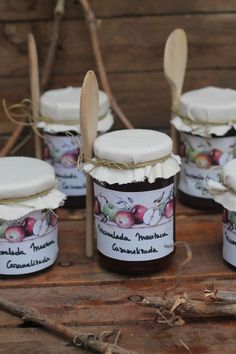 Jam Packaging, Pretty Packaging, Packaging Design, Christmas Jam, Jam And Jelly, Jelly Jars, Jam Jar, Vegetable Drinks, Bottle Design