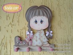 Porta chaves em MDF 9mm  Pintado ao estilo decorativo, essa boneca é um charme para decorar a sua casa ou presentear. Fitinhas e botões para compor e dar todo charme. R$45,00