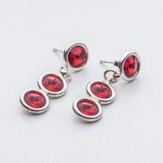 Swarovski Rivoli Earrings 6/6/6mm Light Siam  Dimensions: length: 3,2cm stone size: 6mm Weight ( silver) ~ 3,30g ( 1 pair ) Weight ( silver + stones) ~ 3,95g Metal : sterling silver ( AG-925) Stones: Swarovski Elements 1122 SS29 ( 6mm ) Colour: Light Siam 1 package = 1 pair  Price 9 EUR Sterling Silver Earrings Studs, Silver Jewelry, Stud Earrings, Cufflinks, Swarovski, Colour Light, Crystals, Stones, Accessories