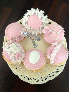 Vintage Pink Cupcakes  - Cake by Jodie Taylor