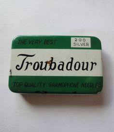 Vintage Phonograph Gramophone Needle Tin Troubadour Needles c/w some needles
