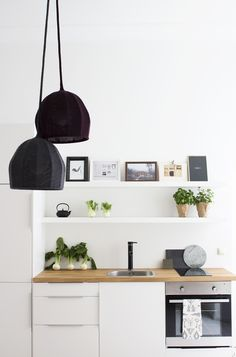 Berlin apartment small kitchen restyled with sculptural woollen lamps. Kitchen Style, Interior Design, House Interior, Scandinavian Kitchen, Kitchen Interior, Home, Interior, Interior Styling, Home Decor