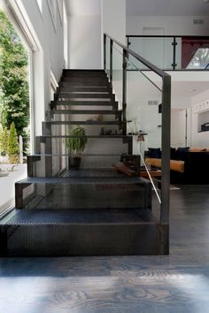 Staircase comes without doubts when it's two or three-story houses, but what style do you go for? Metal stairs are in trend if you want to know more. Interior Stair Railing, Exterior Stairs, Staircase Railings, Stairways, Metal Handrails For Stairs, Staircase Remodel, Home Stairs Design, Railing Design, Steel Stairs Design