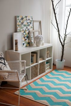 How to Paint a Chevron Rug by lia griffith | Project | Home Decor / Rugs | Kollabora