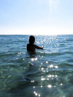 Beach Photos, Girl Photos, Summer Photography, Travel Photography, Summer Beach, Summer Vibes, Menorca Beaches, Fake Girls, Photo Couple