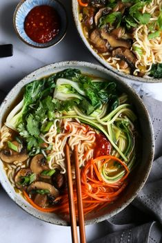 Healthy Ramen Noodles, Rice Noodle Soups, Ramen Noodle Recipes, Soup Recipes, Easy Ramen Recipes, Healthy Noodle Recipes, Noodle Salad, Vegetarian Soup, Vegetarian Recipes