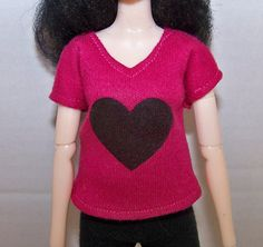 Pullip clothes - pink t-shirt with black heart by FabriMagoDolls on Etsy