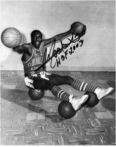 "harlem globetrotters history | Harlem Globetrotters Meadowlark Lemon Autographed 8"" x 10"" Photo with ..."