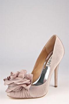 Romantic shoe - Badgley Mischka Ina in taupe