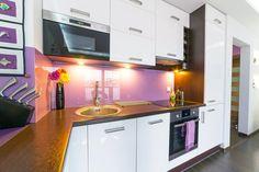 Winkelküche Klein Ikea, Kitchen Cabinets, Living Room, Home Decor, Wooden Closet, Culinary Arts, New Kitchen, Little Kitchen, Oven