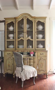 FRENCH COUNTRY COTTAGE: French floral charm