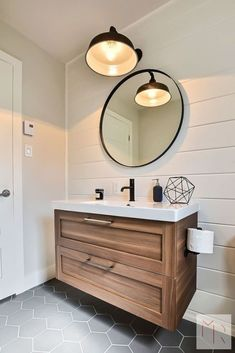 Keep your bathroom feeling open and bright instead of dark and cluttered with these modern bathroom lighting ideas and tips. Keep your bathroom feeling open and bright instead of dark and cluttered with these modern bathroom lighting ideas and tips. Downstairs Bathroom, Bathroom Renos, Bathroom Flooring, Bathroom Interior, Small Bathroom, Master Bathroom, Ikea Bathroom Vanity, Bathroom Remodeling, Bathroom Modern