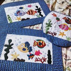 Kit Patchwork, Place Mats Quilted, Table Runner And Placemats, Landscape Quilts, Sewing Appliques, Vintage Tablecloths, Antique Quilts, Wool Applique, Mug Rugs
