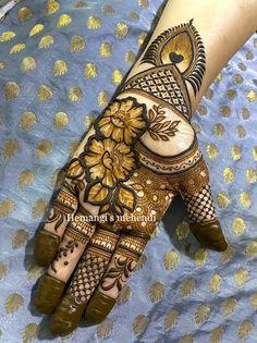 Modern Mehndi Designs, Mehandi Designs, Mehendi, Hand Henna, Hand Tattoos, Fashion Dresses, Fashion Show Dresses, Trendy Dresses, Stylish Dresses