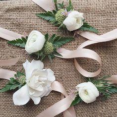 63 Ideas For Diy Wedding Corsage Wristlets Mom Prom Flowers, Diy Wedding Flowers, Pretty Flowers, Floral Wedding, Wedding Bouquets, Wrist Flowers, Sola Flowers, Diy Flowers, Wrist Corsage Wedding