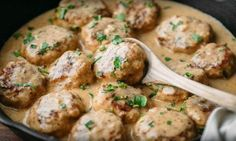 Ces boulettes de poulet et riz sont à tomber! C'est assurément le repas familial par excellence!