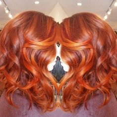 Fan+the+flames+of+hair+jealousy+with+this+fiery+balayage.+The+swept-back,+face-framing+highlights+make+this+redhead+style+so+much+more+intense. Image:+@blancnoirhair