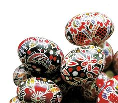 hungarian easter traditions:on Easter Monday,young farmhands are allowed to throw a bucket of cold water over girls of marriageable age; Hungarian Embroidery, Hand Embroidery, Hungarian Cuisine, Easter Traditions, Egg Decorating, Art Decor, Decor Ideas, Craft Ideas, Chain Stitch