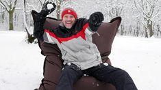 Hétvége, hóesés, snowboard és babzsákban hógolyózás! :D Hát kell ennél több? Szuper hétvégét kívánunk Nektek!!! :) info: XL Párna, Kültéri, Csokoládé >