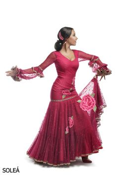 Flamenco Costume, Spanish Fashion, Ethnic Fashion, Wedding Gowns, Poses, Dance, Costumes, How To Wear, Inspiration