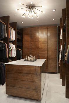 Agatha O | Modern closet design