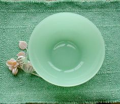 Jadeite Glass Large Serving Bowl ~ L2Country