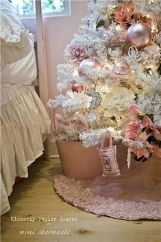 Not so Shabby Chic Christmas tree! Love having a pink bedroom tree too! Merry Christmas, Pink Christmas Tree, Shabby Chic Christmas, Victorian Christmas, All Things Christmas, Vintage Christmas, Christmas Holidays, Christmas Crafts, Christmas Bedroom