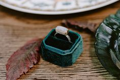 Dreamy fall wedding inspiration with warm colors - Chic & Stylish Weddings wedding jewelry Dreamy fall wedding inspiration with warm colors - Chic & Stylish Weddings Forest Wedding, Fall Wedding, Perfect Engagement Ring, Engagement Rings, Silver Foxes, Vintage Candles, Bridal Looks, Warm Colors, Stylish Men