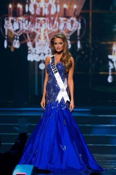 Miss Minnesota USA 2014; loved everything about this gown!  http://thepageantplanet.com/category/pageant-wardrobe/