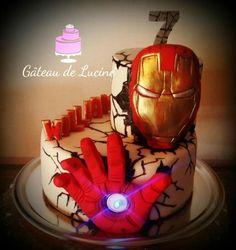 Iron+Man+Cake+-+Cake+By+Gâteau+De+Luciné jett's cake ideas в Iron Man Theme, Iron Man Party, Iron Man Cupcakes, Ironman Cake, Iron Man Birthday, Marvel Cake, Movie Cakes, Avenger Cake, Superhero Cake