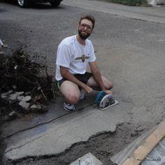 Garage: How to Cut Asphalt with a Circular Saw - ReubensCube Asphalt Driveway Repair, Asphalt Repair, Diy Driveway, Driveway Landscaping, Stairs Repair, Concrete Repair Products, Old Garage, Pebble Mosaic, Brick Pavers