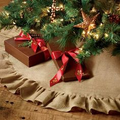 Rugged, rustic burlap was an essential part of frontier life - used for everything from feed bags to curtains. Today, this artful Burlap Tree Skirt brings a cozy, homespun feel to your holiday celebration. Burlap Tree Skirt | King Ranch