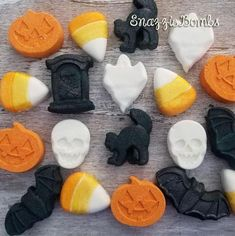 This item is unavailable Halloween Favors, Scary Halloween Decorations, Spooky Halloween, Halloween Parties, Black Bath Bomb, Fizzing Bath Bombs, Halloween Bath Bombs, Mini Bath Bombs