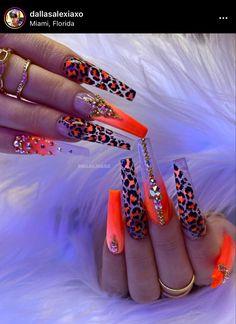 Acrylic Nails Coffin Pink, Summer Acrylic Nails, Stylish Nails, Trendy Nails, Gucci Nails, Glam Nails, Fire Nails, Rainbow Nails, Gorgeous Nails