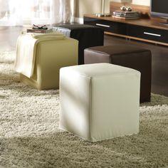 Bei diesem trendigen Hocker in Weiß werden Optik und Bequemlichkeit großgeschrieben. Das garantieren strapazierfähige Spezialfasern im edlen Lederlook. Wir können Ihnen versichern: Sie werden die hochwertige Oberfläche lieben! Dank stabiler Styropor-Polsterung ist der Hocker bis zu 100 kg belastbar. Er lässt sich ganz bequem mit einem Staubsauger reinigen und kommt bereits fertig montiert in Ihr Haus. In unseren Filialen ist der Sitzwürfel auch in anderen Farben erhältlich.